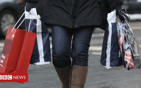 104833808 mediaitem104833805 - Bad weather hits Christmas shopping on the High Street