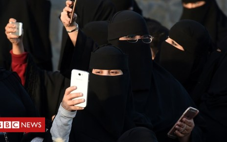 105075084 mediaitem105075083 - Saudi women to get divorce confirmation by text message