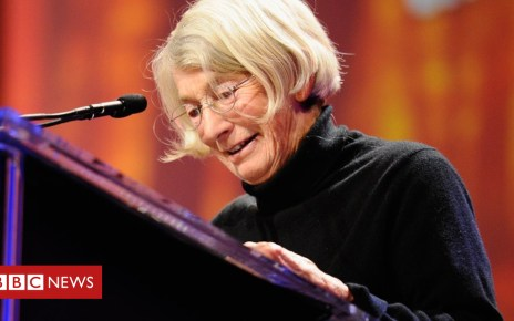 105224894 maryoliver - Mary Oliver: Pulitzer-winning poet dies aged 83