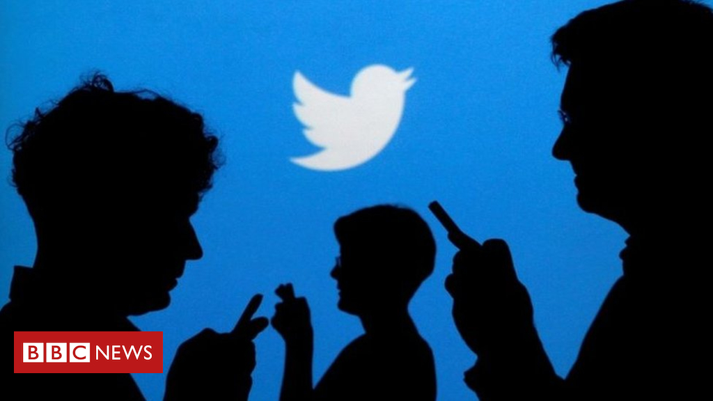 105234593 mediaitem105234588 - Twitter warns that private tweets were public for years