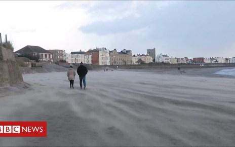 105369022 p06z9j4y - Wind creates eerie sweeping sand at Burnham-on-Sea