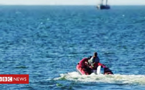 105406300 sbna smugglinggang testrun4 - Gang 'smuggled immigrants in dinghy' into Kent