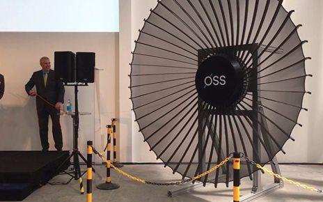 p06z9npl - MoD backs satellite 'origami radar antennas'