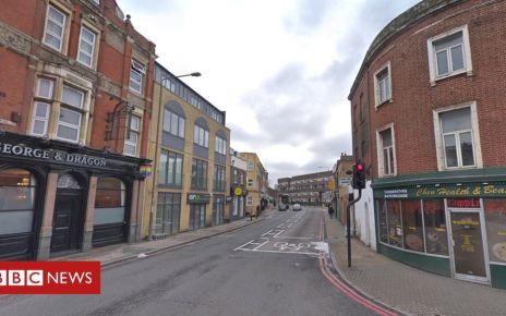 105581415 mediaitem105581414 - Police shoot man and arrest six others in Deptford
