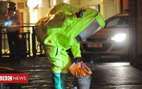100281993 sn hr major incident 24 - Salisbury Novichok public health response 'put lives at risk'