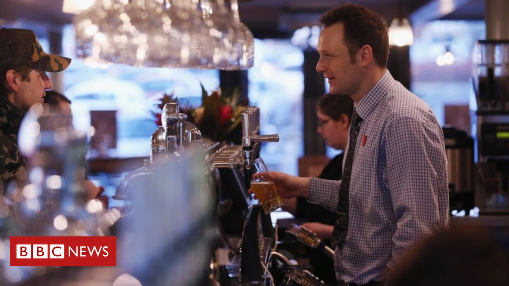 105305748 wetherspoons1 - Wetherspoon's profits plunge by 19%