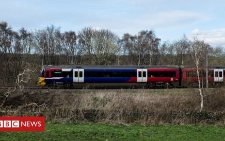 105920504 northerntraingetty - Northern's long six-carriage trains delayed by two years