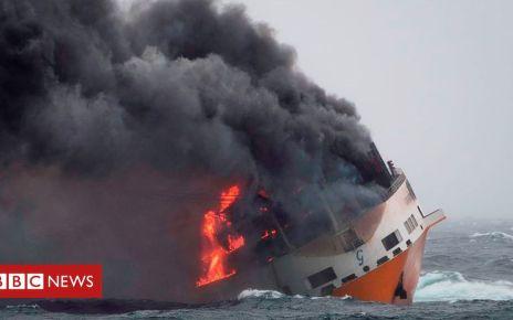 106026831 hi052899543 - Grande America: France braces for oil spill damage after ship blaze