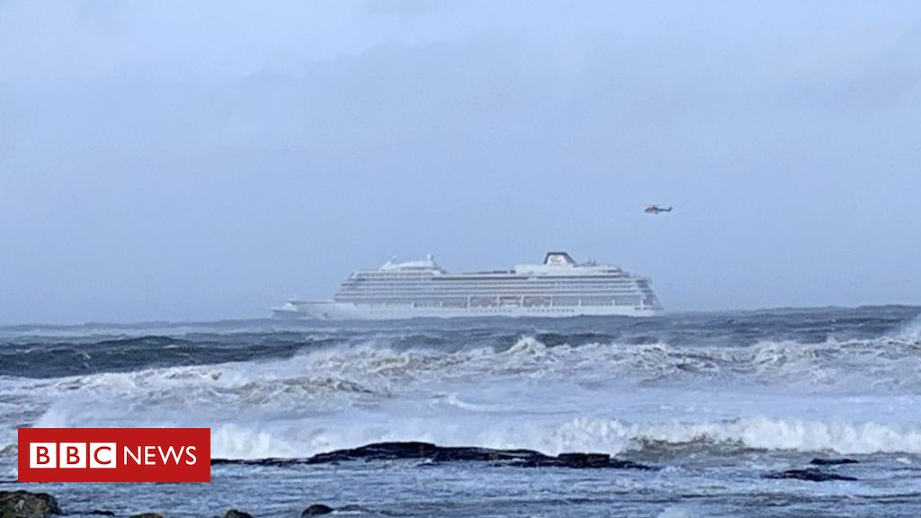 106149863 053127589 - Norway cruise ship evacuated after engine problems