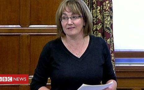 103729650 mediaitem74703468 - Fracking commissioner resigns after six months