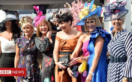 106314187 ladies5 - Thousands flock to Grand National's Ladies Day at Aintree