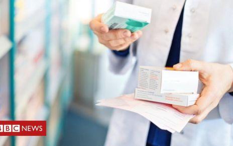 106396386 043757564 - UK delays no-deal medicine transport contract