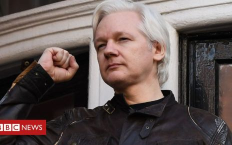 106413348 p0766myf - Julian Assange: Why Wikileaks founder spent years in Ecuador's embassy
