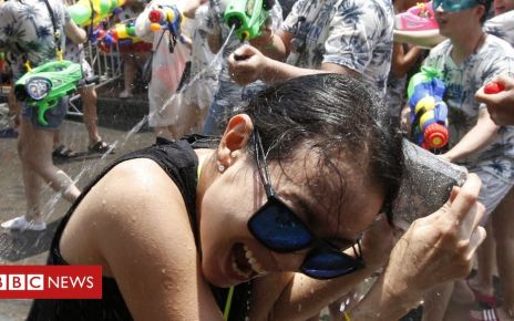 106439197 053424494 1 - Songkran: Thailand celebrates Buddhist new year with water fights