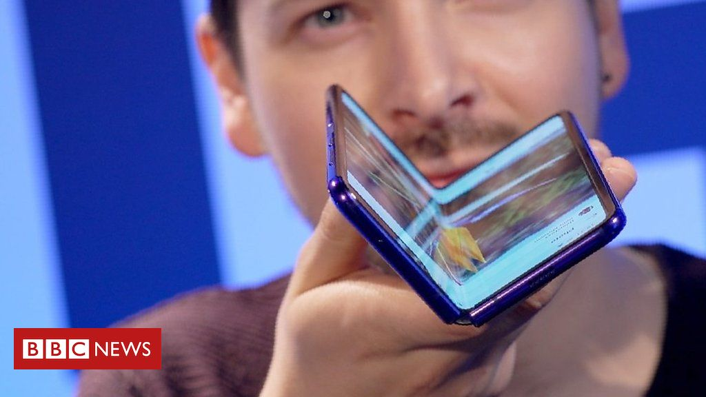 106464261 p076l897 - Hands-on with the Samsung Galaxy Fold