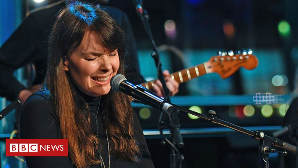 106488982 craven2 bbc - Beverley Craven says tour is 'prize' after chemo