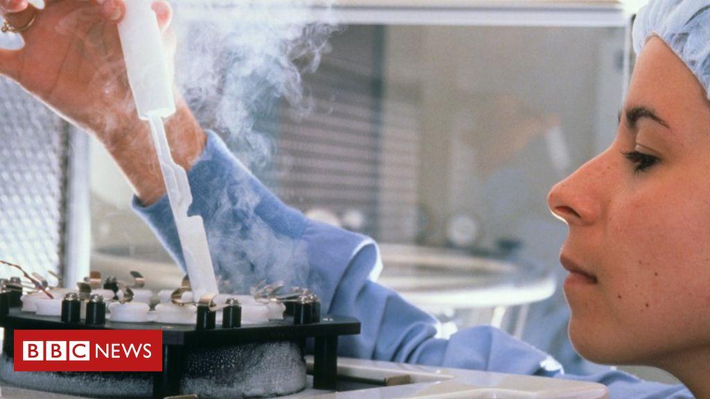 106542523 technicianinanivflaboratoryfreezesspermaandeggsforstorage - Older women exploited by IVF clinics, says fertility watchdog