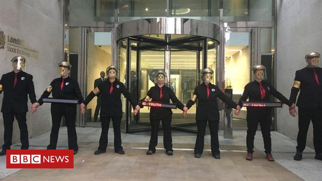 106585207 mediaitem106585206 - Extinction Rebellion: Climate activists block London Stock Exchange