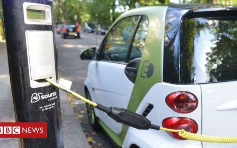 106640144 mediaitem106640143 - Climate change: Electric car target 'needs to be sooner'