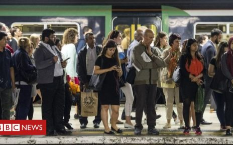 103647391 mediaitem103644419 - Rail passengers lost 3.9m hours in 2018, Which? report says