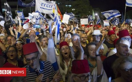 107111508 054214923 1 - Israel protests: Thousands rally against Netanyahu immunity