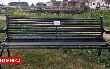 107160586 img 6880 2 - Quiz of the Week: Which musician was honoured with a bench?