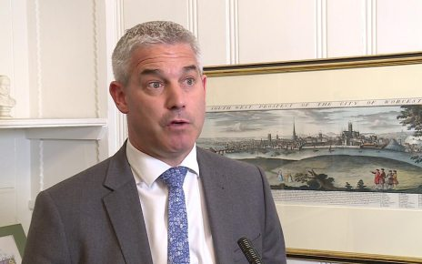 p07978sk - Brexit: Stephen Barclay says PM's deal is 'dead' if bill fails