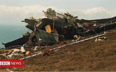 107200333 chinookcrash - Mull of Kintyre Chinook crash relatives mark 25th anniversary