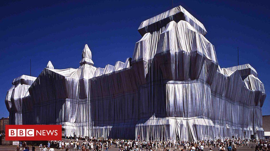 107333976 p07ctmds - The public art project that entranced post-Cold War Berlin