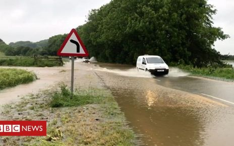 107360240 p07d0fsg - England flooding: Travel disrupted across the country