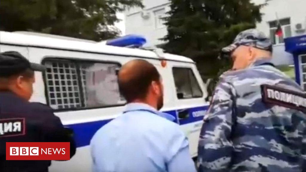 107438436 mediaitem107438435 - Roma flee Russian village after mass brawl