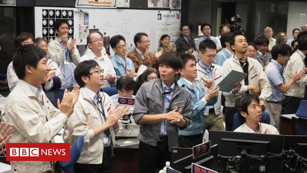 107830519 dc98a76a d518 4620 be78 721b82d91f03 - Hayabusa-2: Japanese spacecraft lands for final asteroid mission