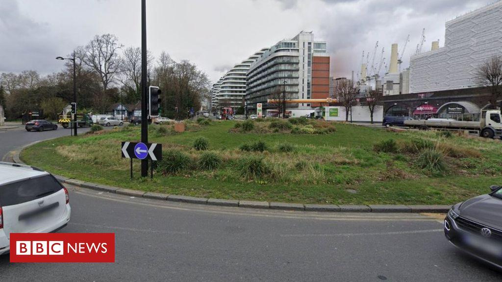 107853960 f6a6b52b 18ec 49e4 8e55 578cdf04f4d8 - Electric scooter rider killed in Battersea lorry crash