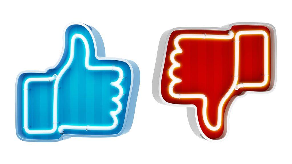 p063b3rg - Cambridge Analytica: 'US regulators approve $5bn Facebook fine'