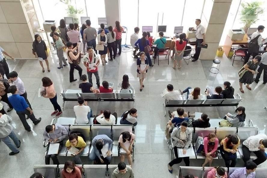 Người dân đến kê khai thuế tại Cục thuế TPHCM. Nguồn: Laodong.vn