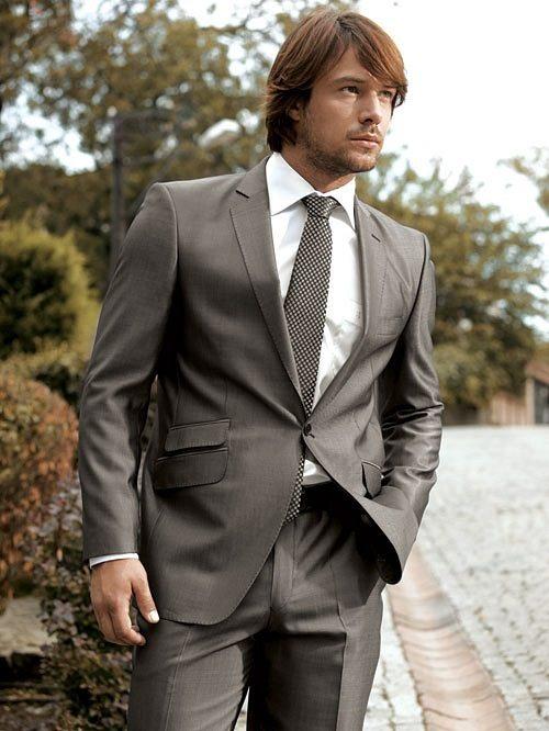Ціни на костюми чоловічі весільні сильно різноманітні - від кількох сотень  доларів за костюм до декількох тисяч. Що означає ціна костюма весільного  93fdafde0f603