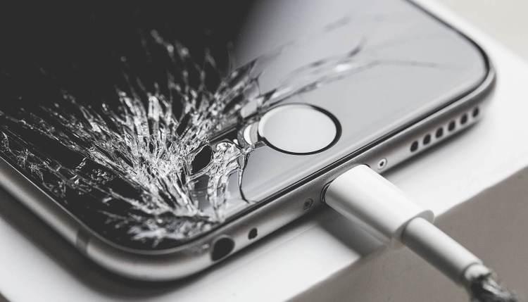 iPhone ремонт в украине