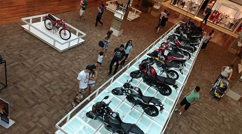 Exposição reúne diversos modelos de motos no RibeirãoShopping
