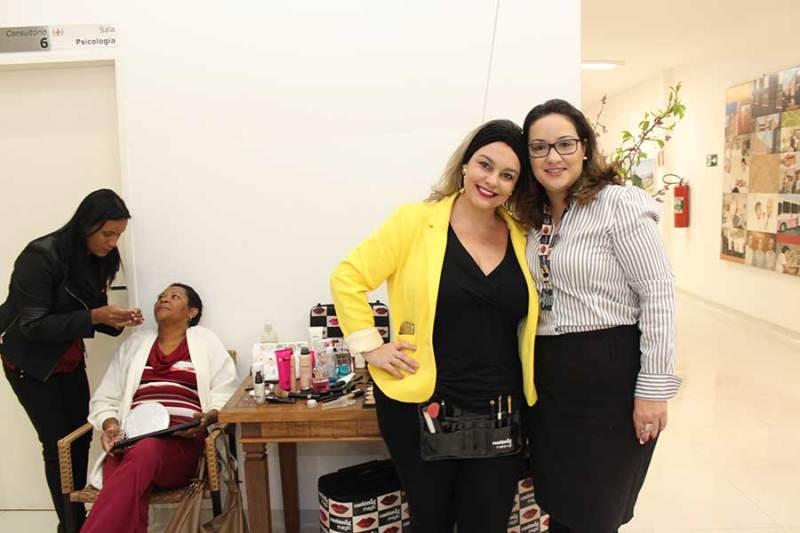"""Especialistas voluntárias realizam """"Dia de Beleza"""" com pacientes do Hospital de Câncer de Ribeirão Preto"""