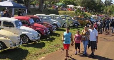 Raridades automobilísticas tomam conta do parque ecológico