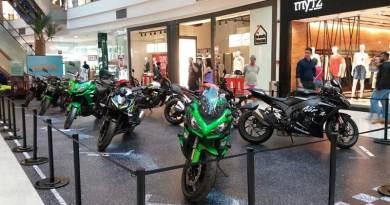 Exposição de motos com realidade virtual no Shopping Santa Úrsula