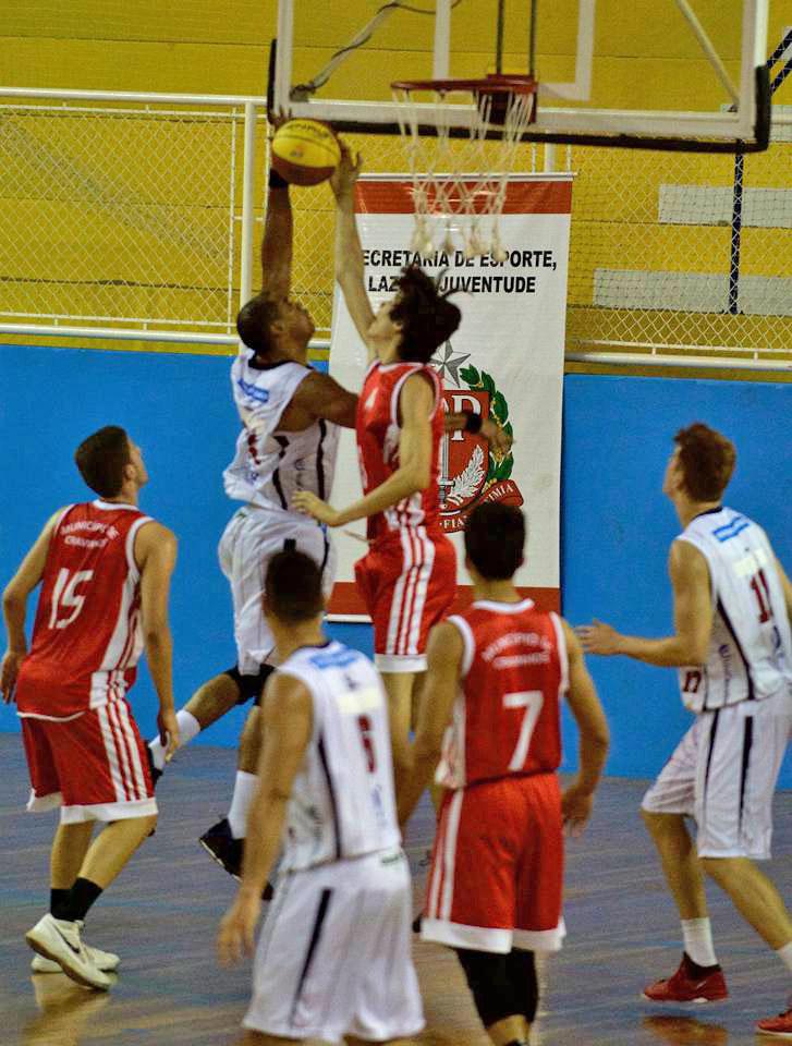Cravinhos venceu o time de São José dos Campos pelo placar de 84 a 70