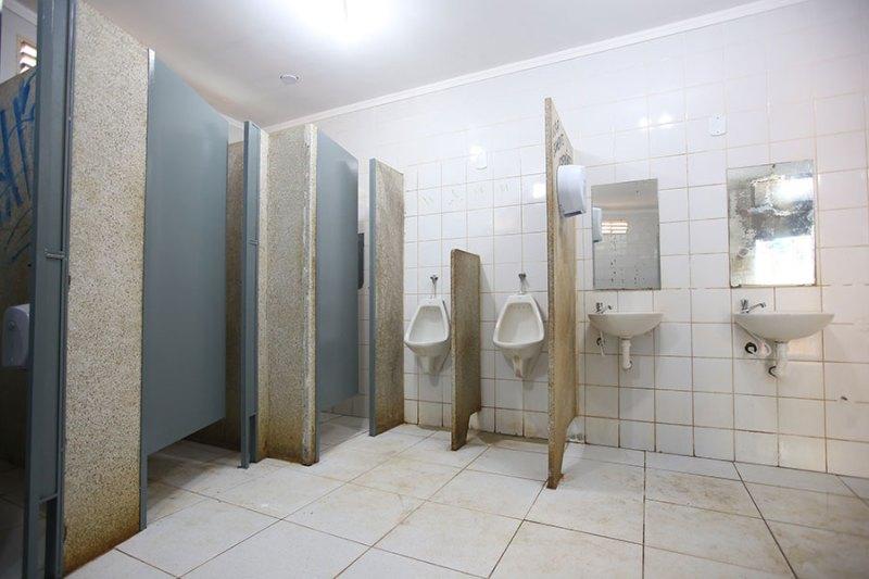 ACIRP reforma banheiros da Praça XV e Praça das Bandeiras