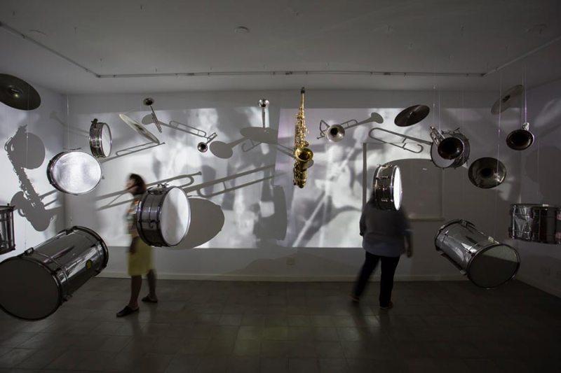 Centro de Arte Contemporânea W recebe crianças da ONG Casa das Mangueiras