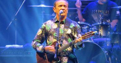 Zé Ramalho celebra 40 anos de carreira com grandioso show em Ribeirão Preto