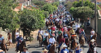 Desfile de Cavaleiros anuncia a chegada do 28º Rodeio de Sertãozinho