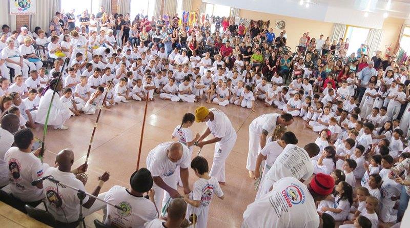 Batizado de Capoeira reúne mais de 250 formandos