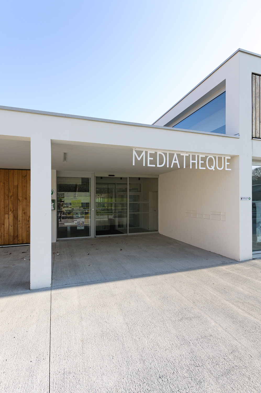 photographe d'architecture ©INTERVALphoto : STUDIO 02, médiathèque, Monterblanc (56)