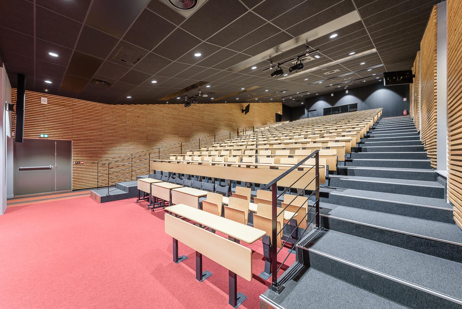 photographe d'architecture ©INTERVALphoto : Lefort Claire architecte, amphithéâtre lycée J. d'Arc, Rennes (35)