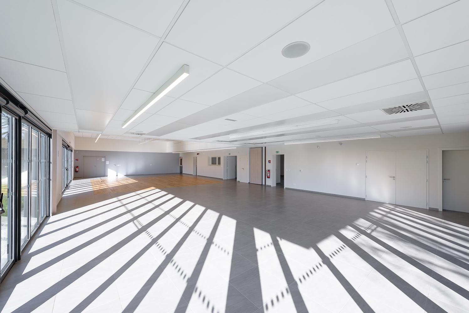 photographe d'architecture ©INTERVALphoto : STUDIO 2, salle communale, Plémet (22)
